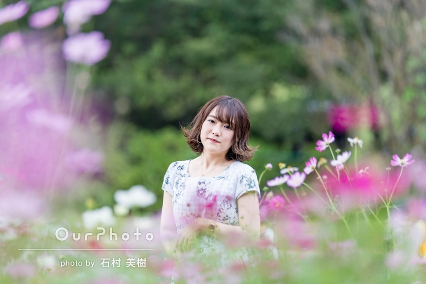 花に囲まれたオシャレな写真