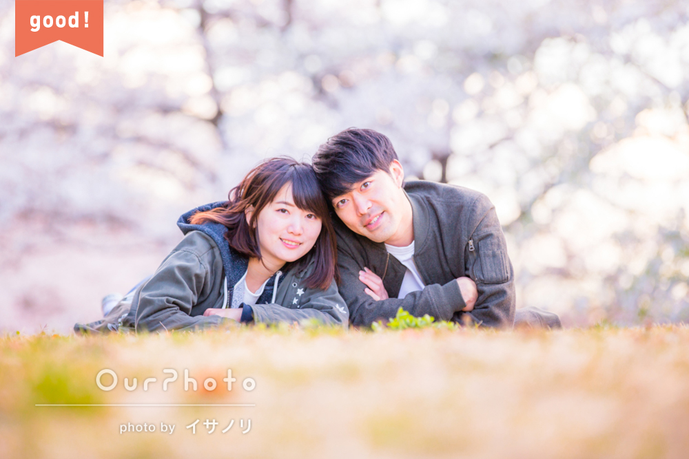 フォトギャラリー 満開の桜の下で、ふんわり幸せカップルフォトの撮影