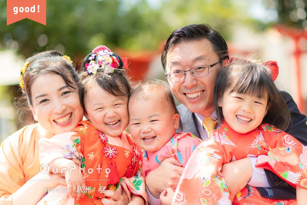 フォトギャラリー「家族の笑顔の花が咲いた!華やかな着物で3歳の七五三撮影」