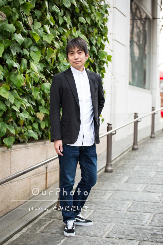 男性:ジャケットや襟のついたシャツ