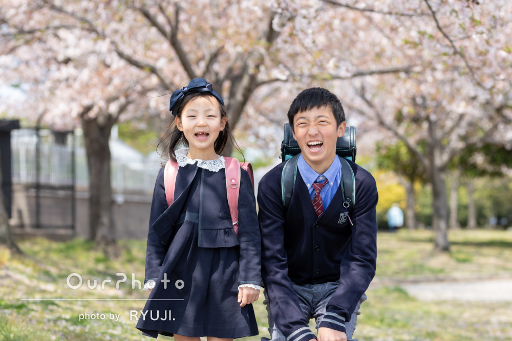 桜_小学校入学卒業記念_兄妹