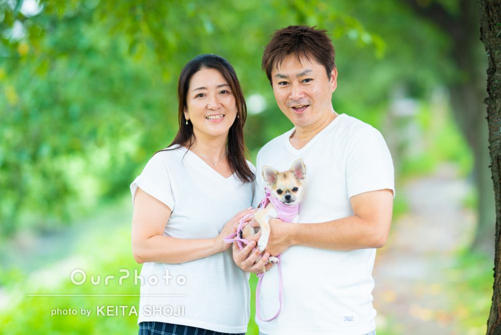 「愛犬も可愛く撮ってもらって感謝」家族とペットの記念写真の撮影