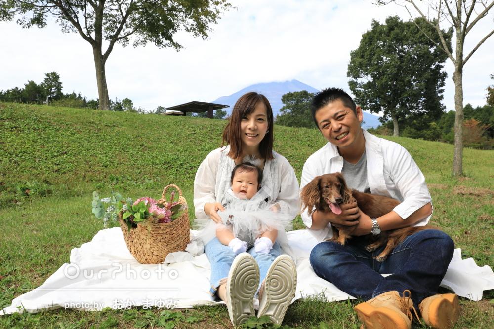 「満足いく写真」赤ちゃんと愛犬がかわいい100日記念の家族写真