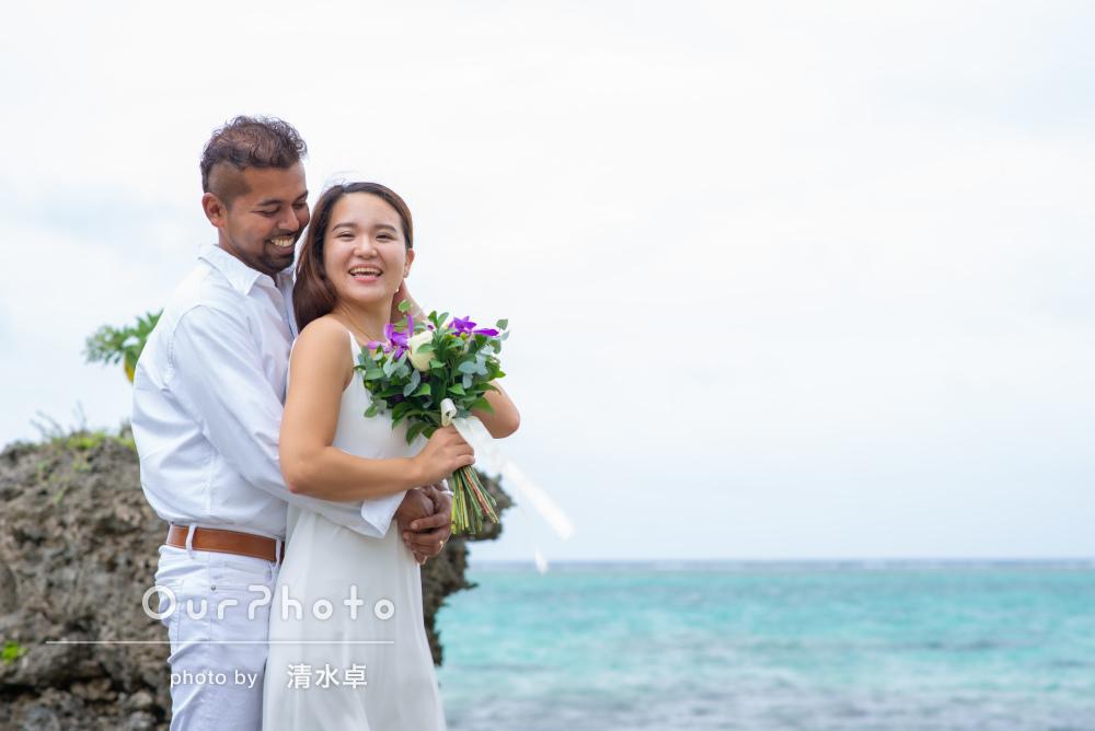 沖縄のビーチで2人っきりのウェディング♡カップルフォトの撮影