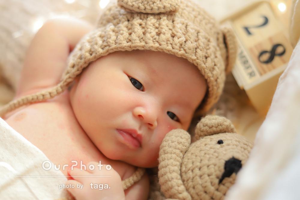 ニットの帽子がお似合い!かわいらしいニューボーンフォトの撮影