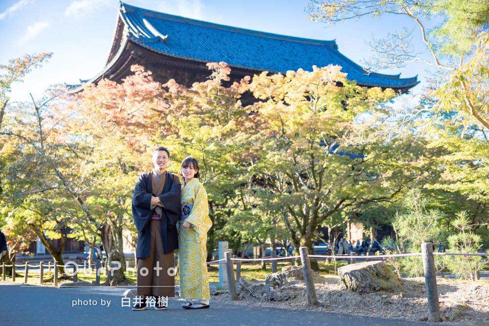 「色々なポーズや撮り方で素敵な写真」和服姿でカップル写真の撮影