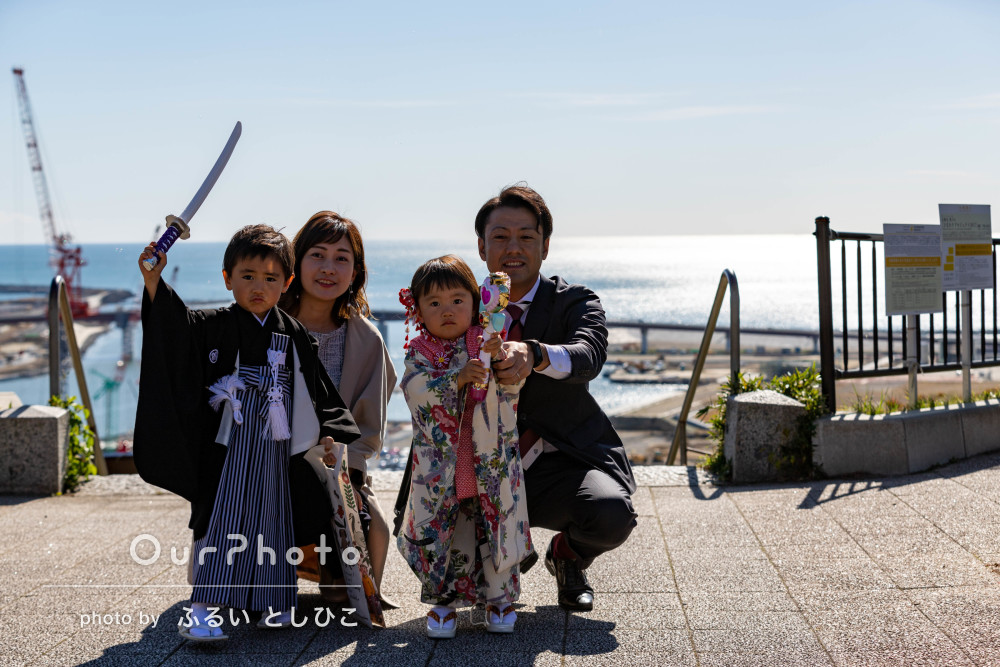 海風を感じる高台の神社で!3歳と5歳の七五三詣りの撮影