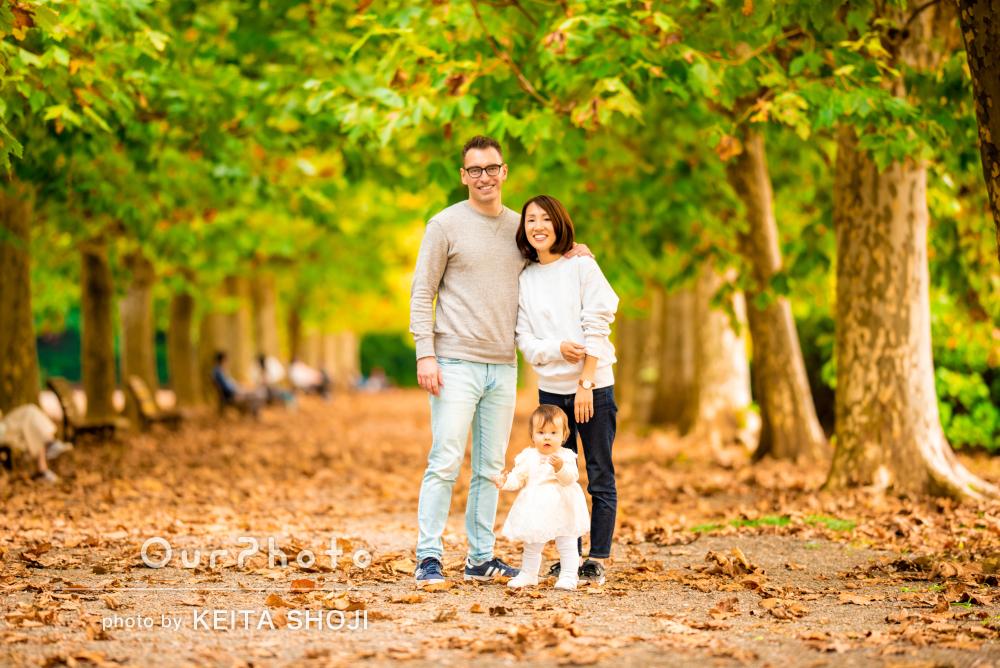 「とても素敵な写真ができました」1歳の記念に秋を感じる家族写真の撮影