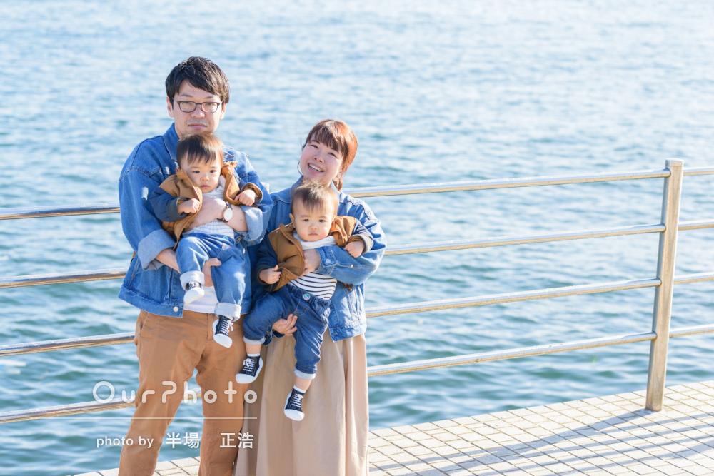 「イメージに合わせていろいろ提案」双子の誕生日記念に家族写真の撮影