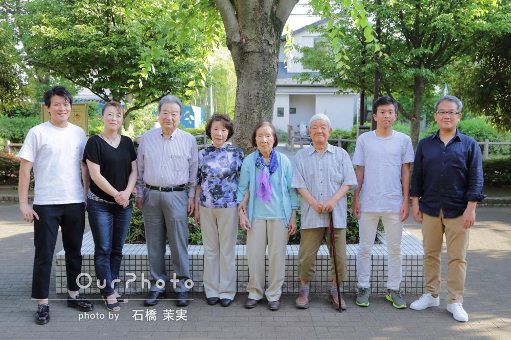 「毎年行っている家族の食事会の様子の撮影と、公園での記念撮影をしてほしい!」3世代が集合した家族写真の撮影