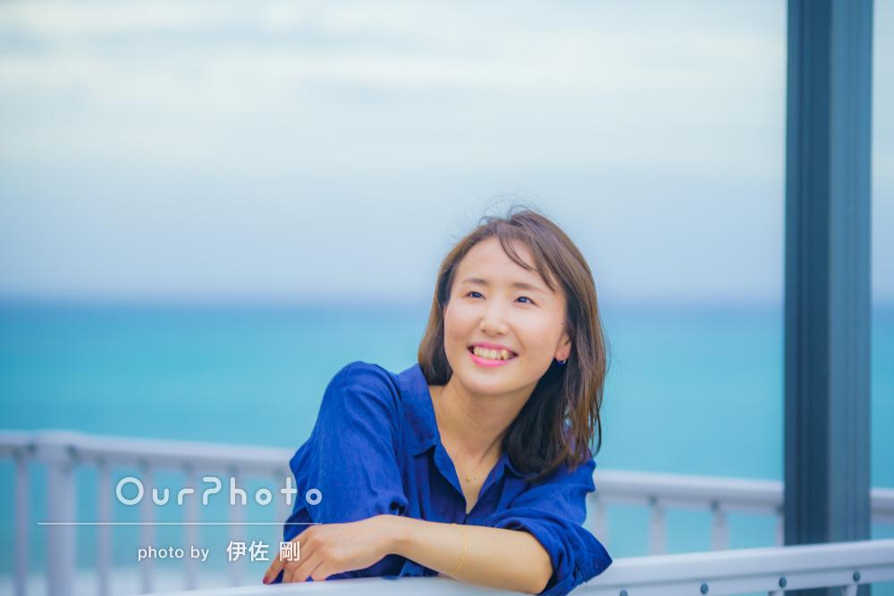 「沖縄の海の美しさが表現されて」美しい景色が印象的な旅行写真の撮影