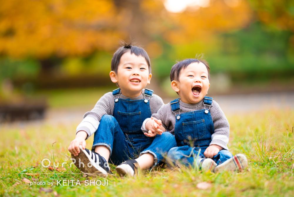 「動きたい盛りの子供達もすっかり楽しんで撮影」家族写真の撮影