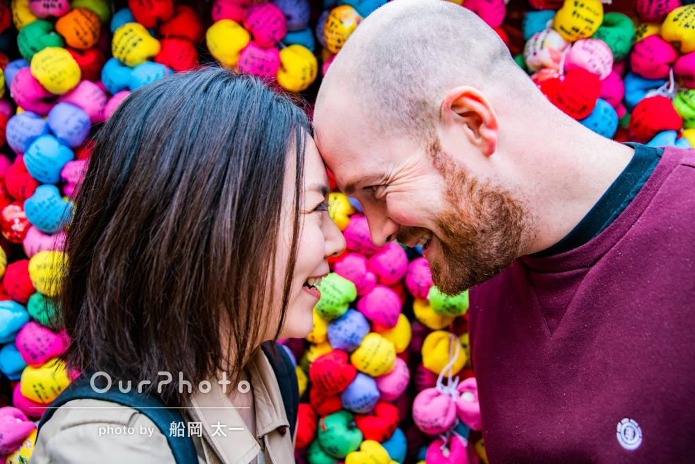 「京都を案内してもらいながら」旅行の思い出にカップルの撮影