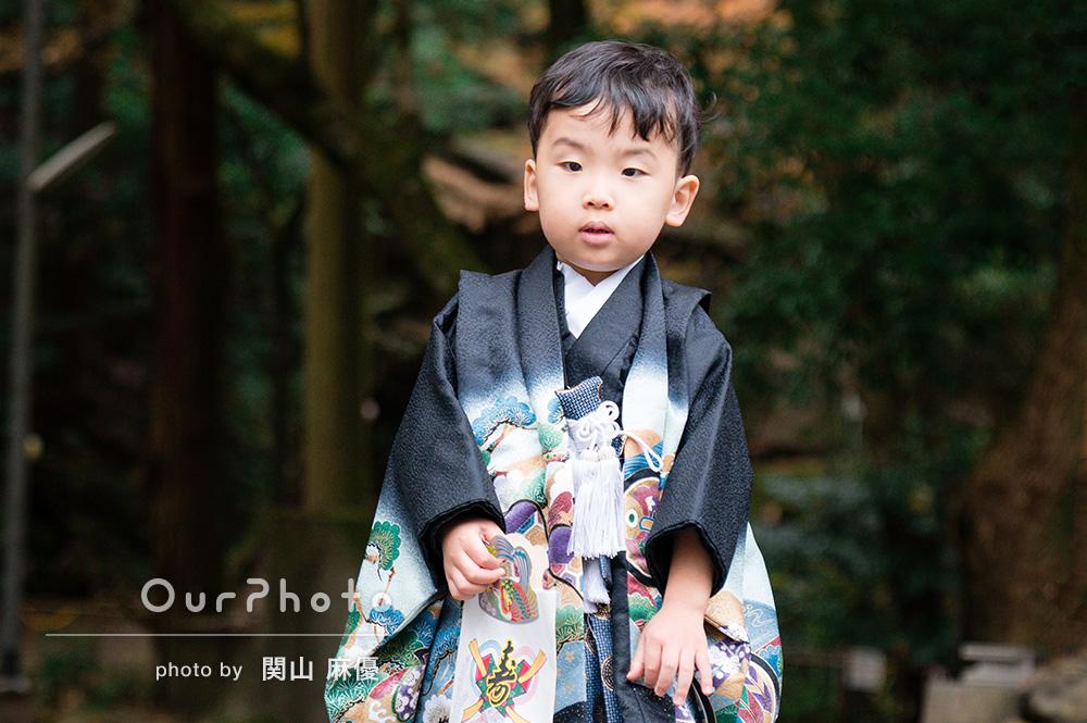 「自然な写真をたくさん」緊張した顔も思い出!3歳男の子の七五三の撮影