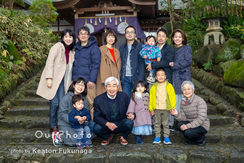 年末に親戚勢ぞろいで笑顔の花が咲く!しあわせ家族写真の撮影