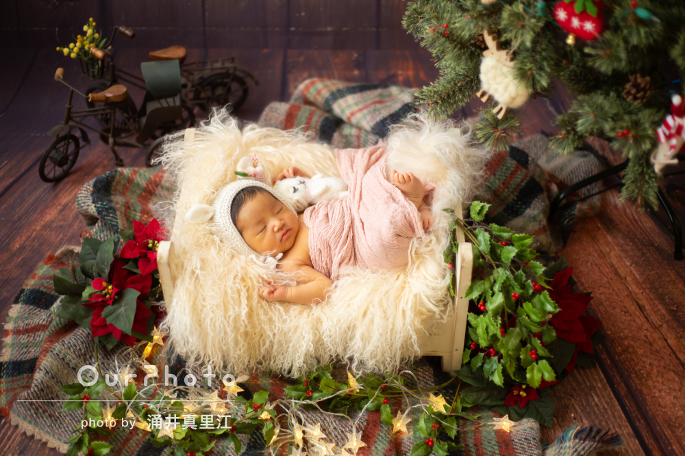 温かなお部屋で眠るクリスマスの天使☆ニューボーンフォトの撮影