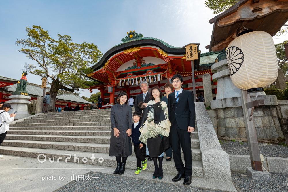 和やかで幸せな雰囲気いっぱいのお宮参りの撮影