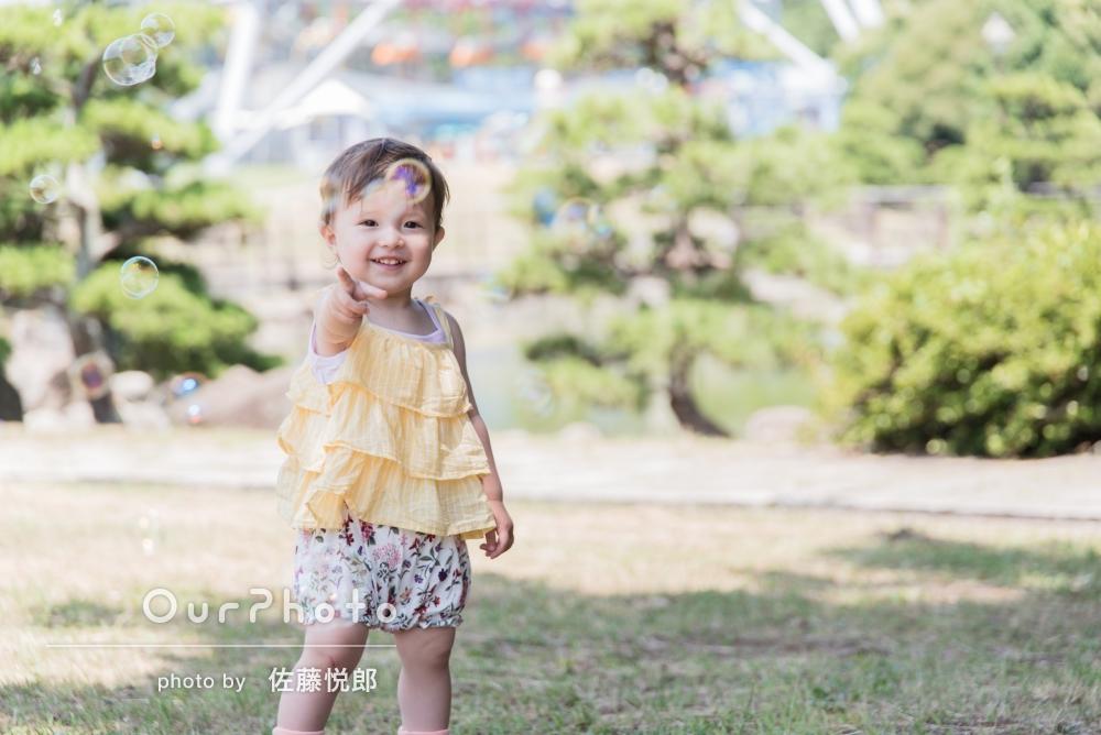 「人見知りの娘がとても懐いていて、遊びながら撮影していただき楽しかったです!」お嬢様をメインに、家族写真の撮影