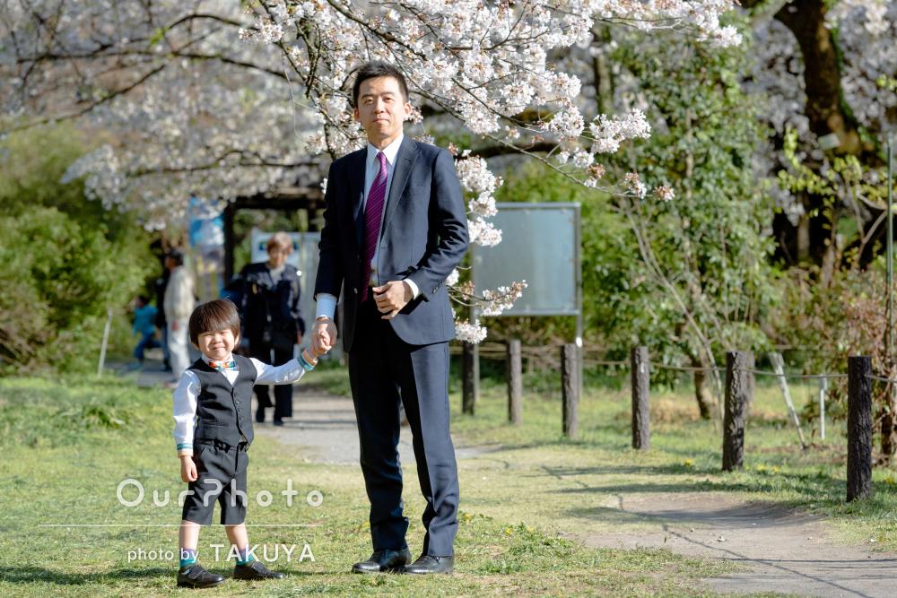 「息子も撮られることが非常に楽しかったよう」入園記念に家族写真の撮影
