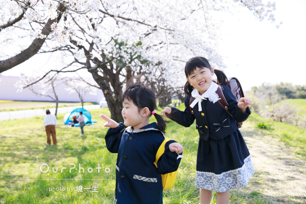 「娘たちも楽しく撮影できてとても良かった」桜満開!初々しい姉妹の撮影