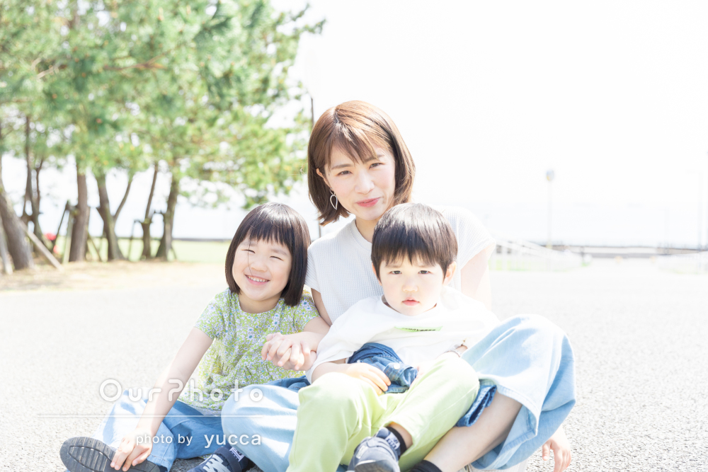 「自然体の素敵な笑顔」いつものお出かけを美しく切り取ったご家族の撮影