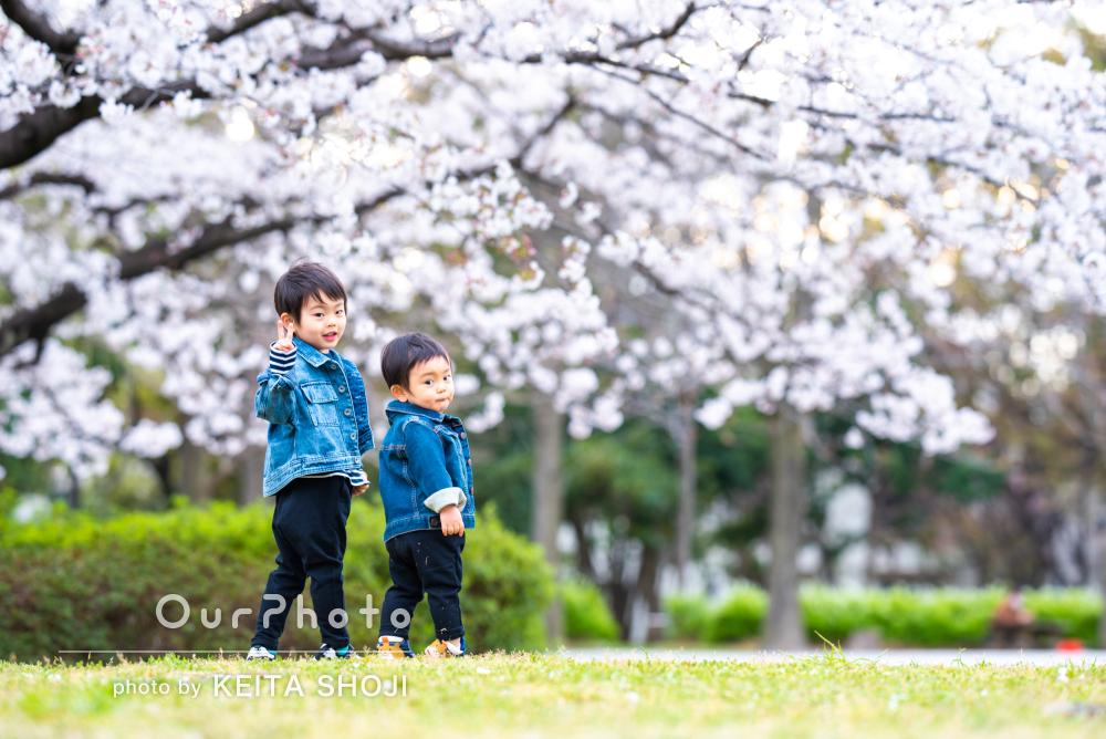 「子供達を飽きさせず遊びの延長で素敵なショット」家族写真の撮影