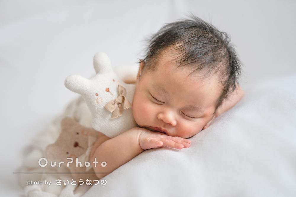 「さすがの寝かしつけテクニック」天使の寝顔!ニューボーンフォトの撮影