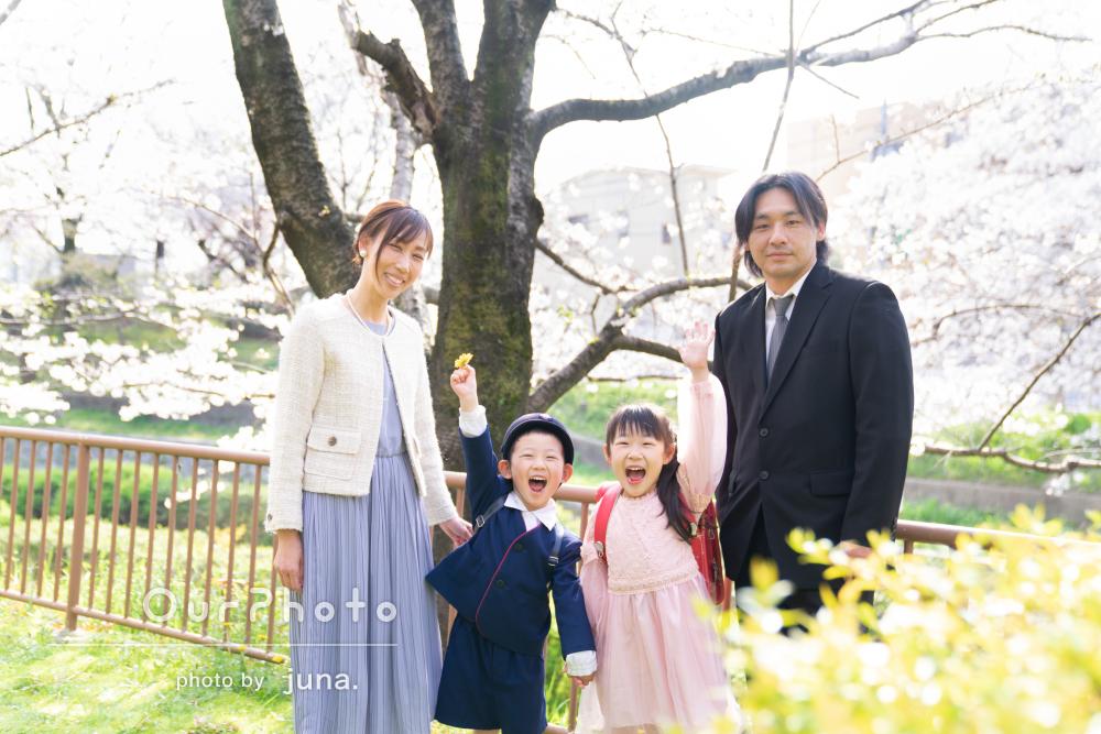 お子様の「ハートをガッチリ掴み」笑顔に!入学記念にご家族の撮影