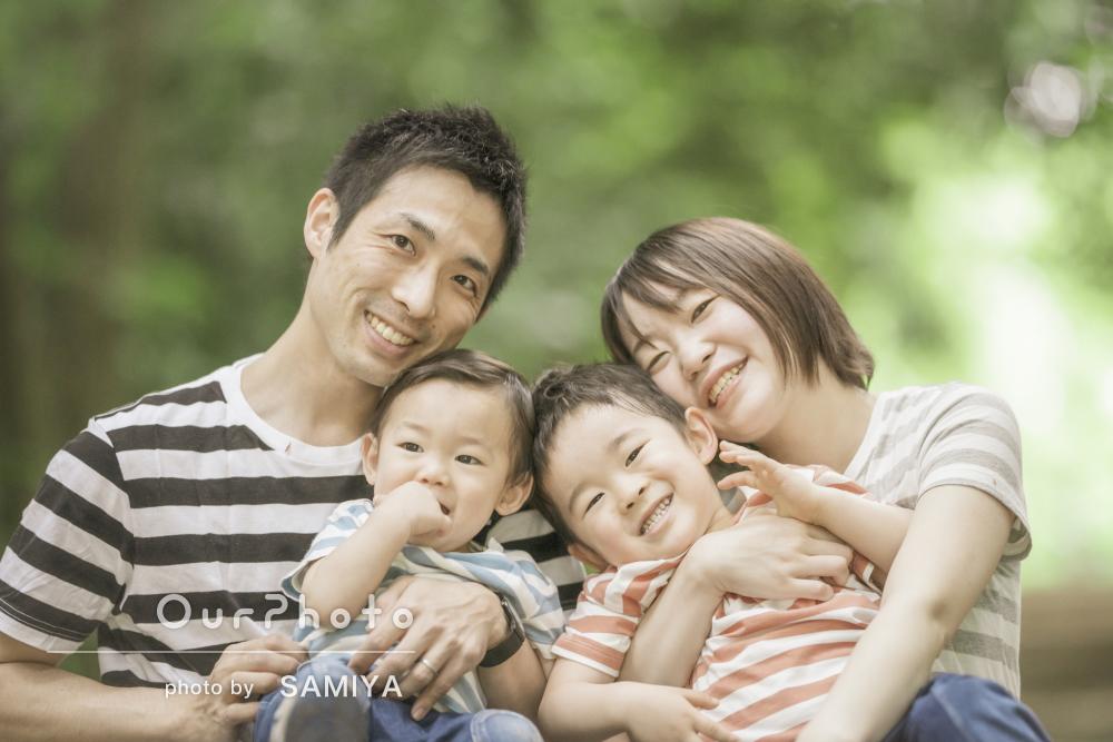 「一瞬を切り取ってとっても素敵に」リンクコーデで家族写真の撮影