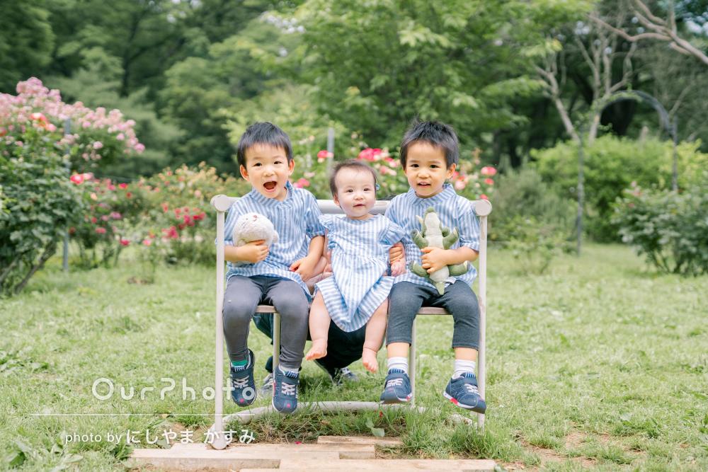 「とても楽しく撮影できました」爽やかなリンクコーデで家族写真の撮影