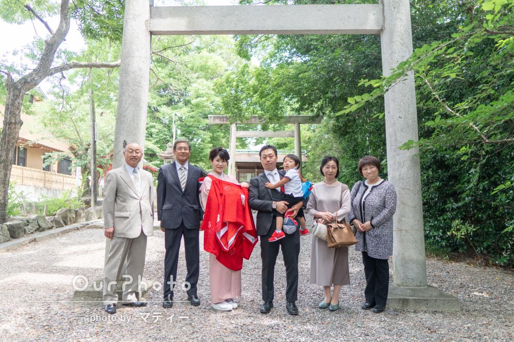 「神社の特徴を活かしながらの撮影で良い思い出」お宮参りの撮影