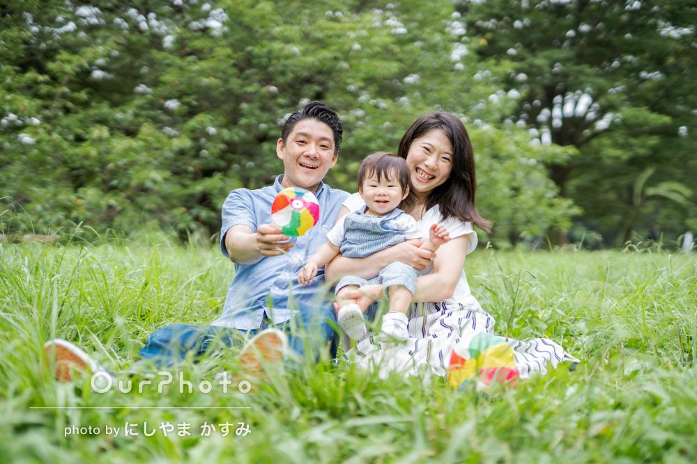 「主人と息子の笑顔を引き出し、家族3人いい笑顔」家族写真の撮影