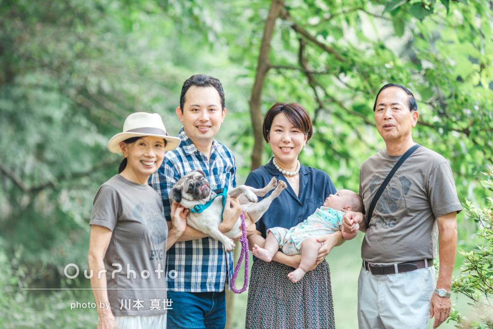 「話している姿や歩いている姿など自然な状態も撮影」家族写真の撮影