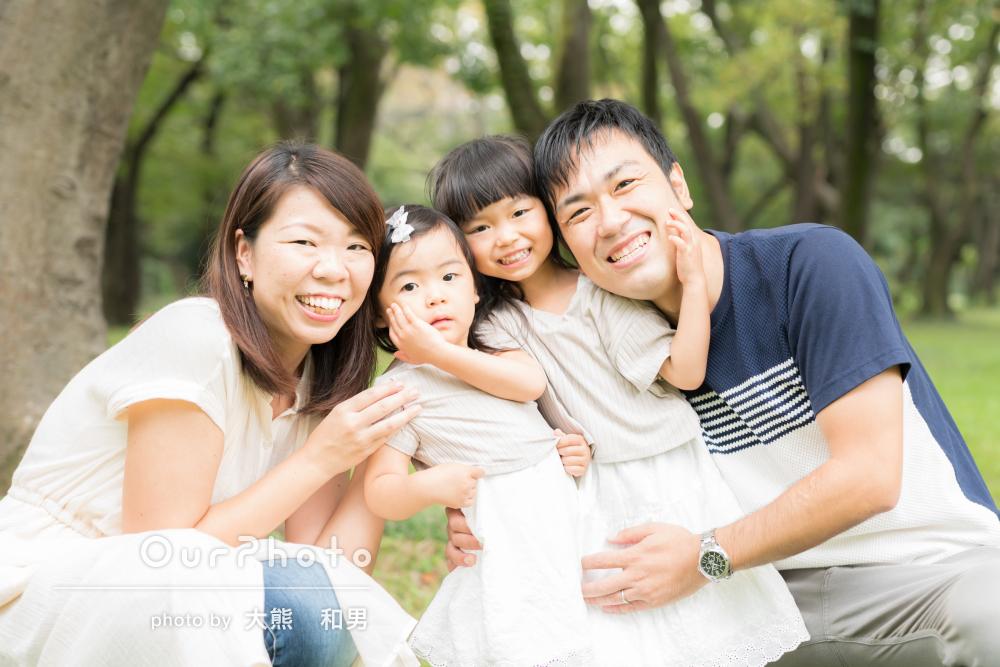 「とても柔らかく温かみのある素敵なお写真」仲良し姉妹と家族写真の撮影