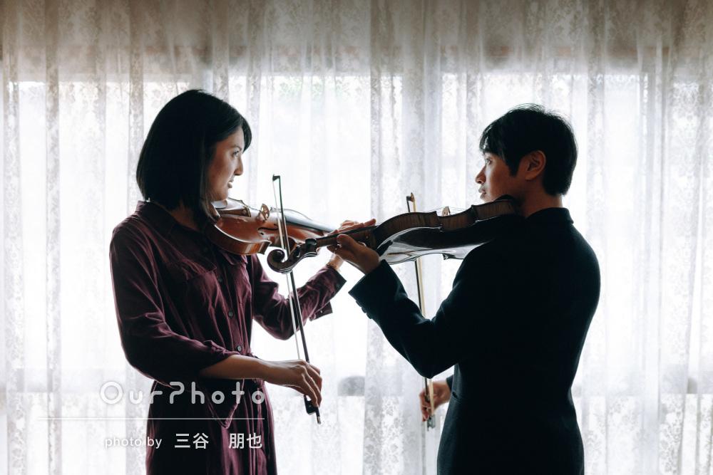 「楽しくていい思い出になりました」楽器を持って素敵なカップル写真撮影