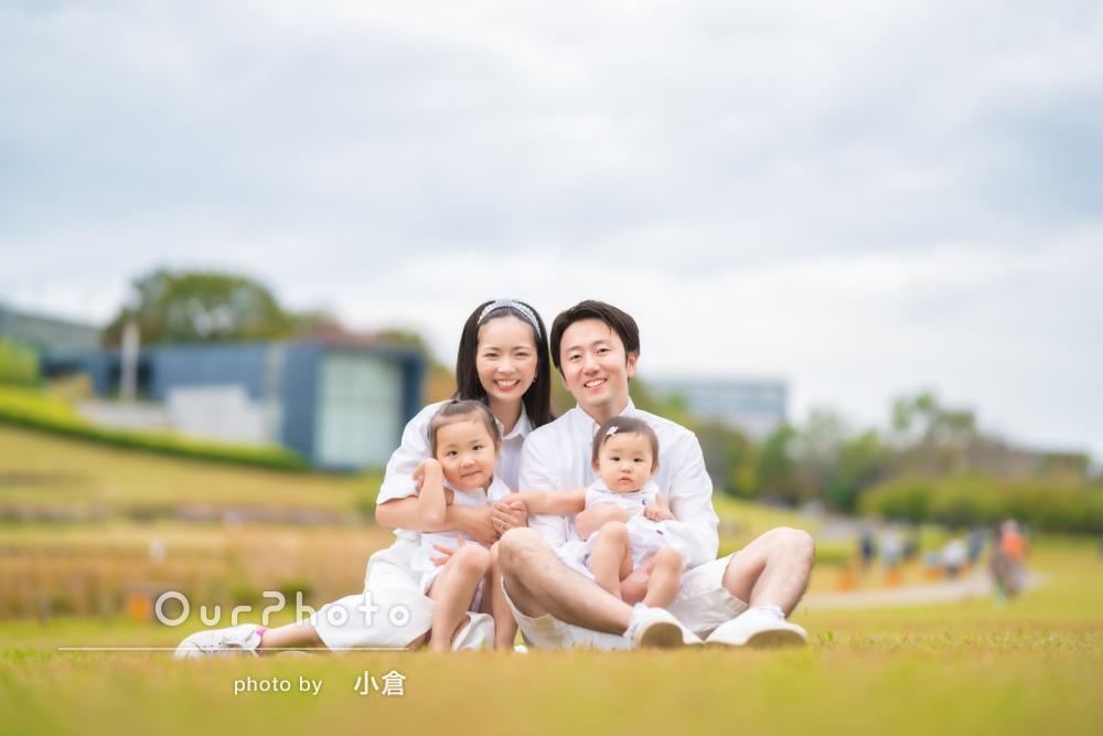 「いつもの日常をまるで抜き取ったような写真」公園で家族写真の撮影