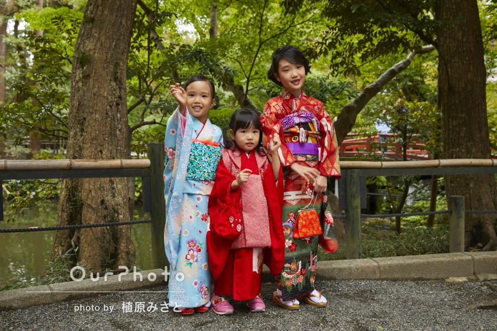 仲良し三姉妹の着物姿が色鮮やかで美しい!七五三写真の撮影