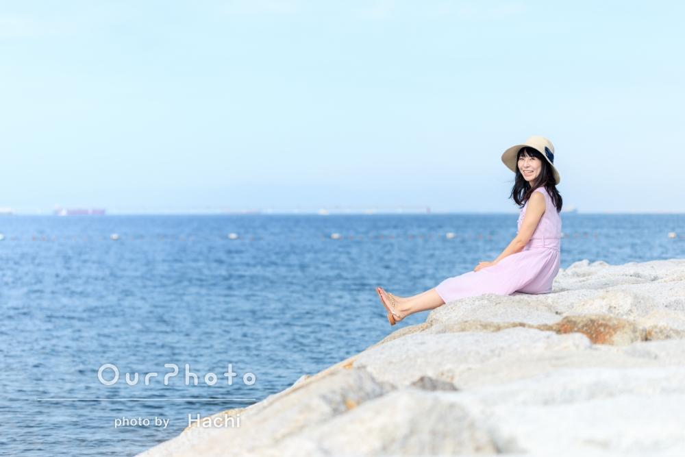 「雑誌のような素敵な写真で、かつ自然な写真を撮っていただけました」海で!プロフィール写真の撮影