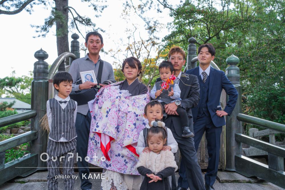 「とても楽しい撮影」元気な家族に囲まれて初宮参りの撮影