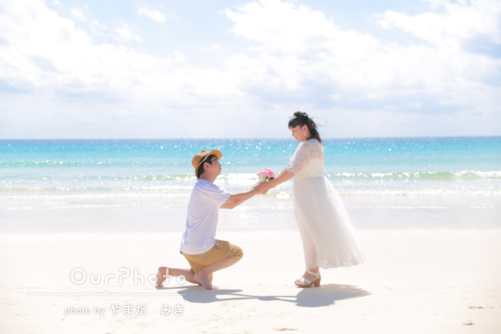 「私達の意見を取り入れて」沖縄のビーチでウェディングフォトを撮影