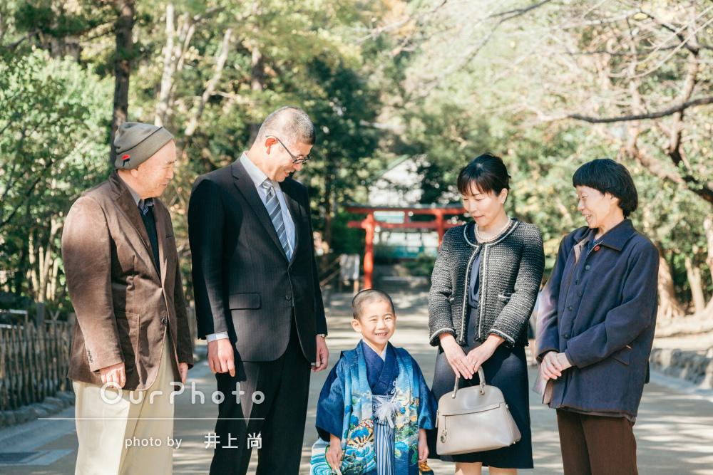 「終わる頃には友達のように楽しく撮影」青の羽織袴姿で5歳男子の七五三