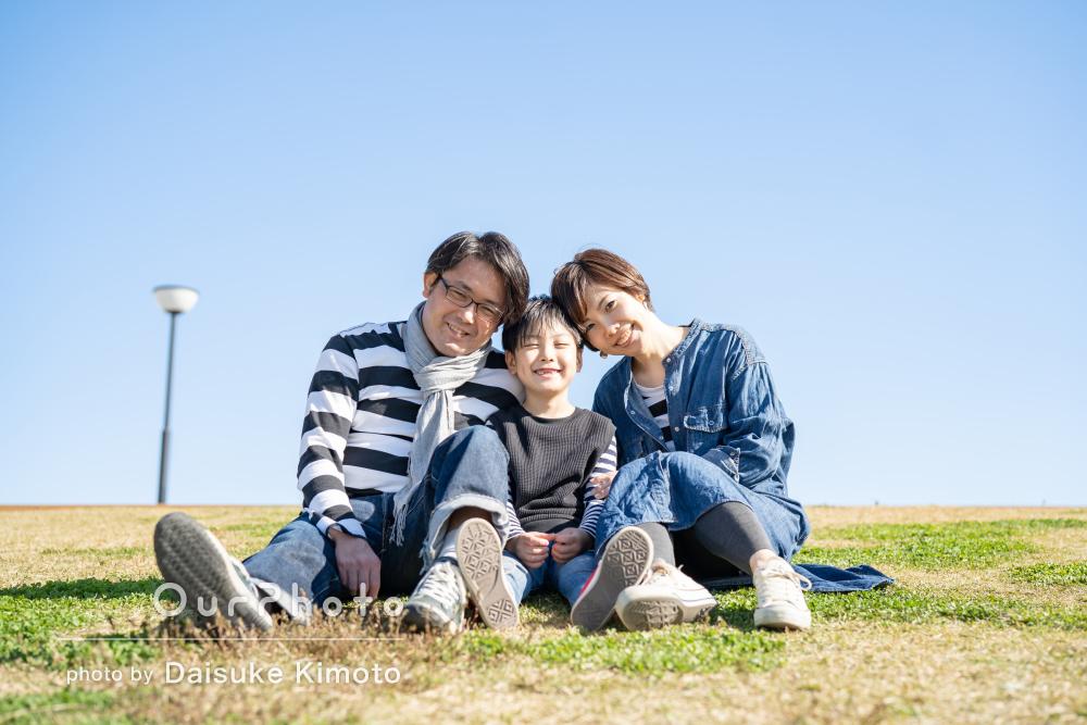 リンクコーデをして仲良しショットがいっぱい!家族写真の撮影