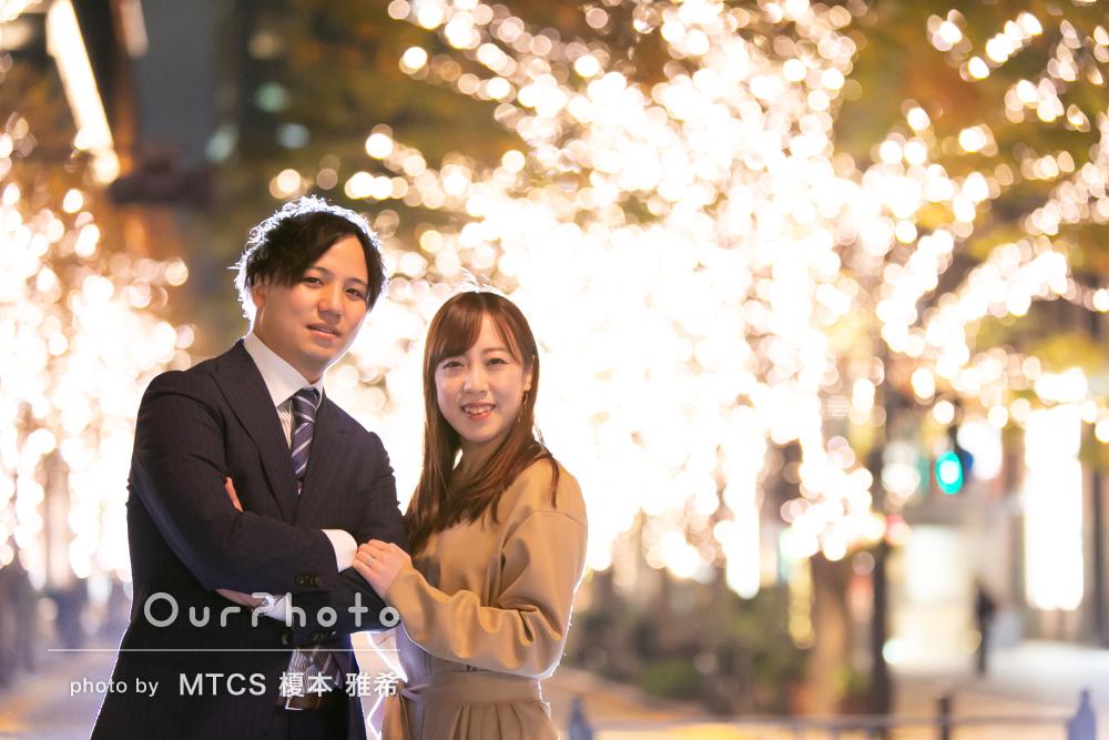 「とても幸せな気持ちになれます」夜景を背景に婚約記念のカップルの撮影