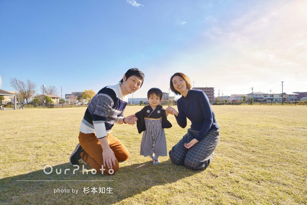 「かわいい笑顔を写真に残すことができ」1歳記念に年賀状用の家族写真