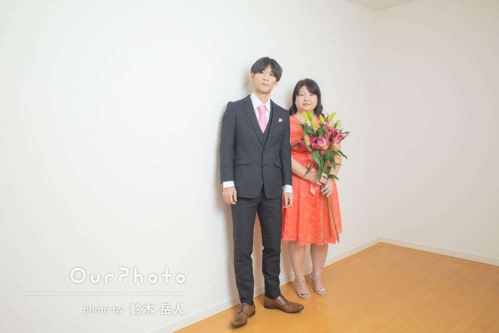 「最高に幸せな写真」室内でのカップルフォトの撮影