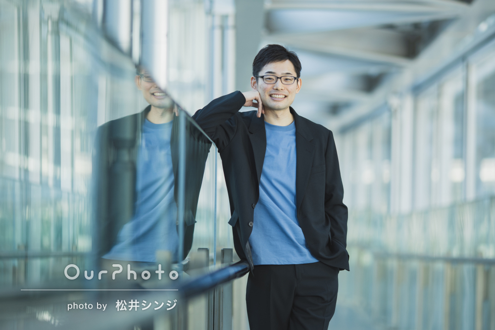 「大変満足しています」洗練された雰囲気の男性プロフィール写真の撮影