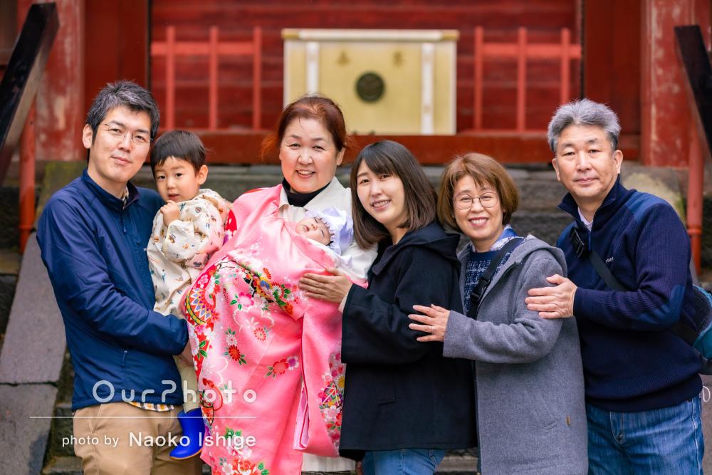 おじいちゃんおばあちゃんも一緒に!家族で笑顔に溢れたお宮参りの撮影