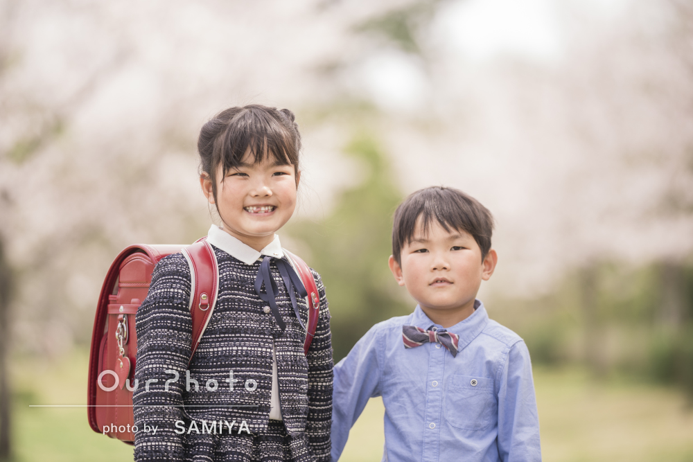 「自然な表情をこんないい雰囲気に写真に」入学記念の家族写真の撮影