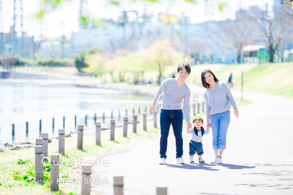 「家族全員終始リラックス」一歳の誕生日を記念した家族写真の撮影