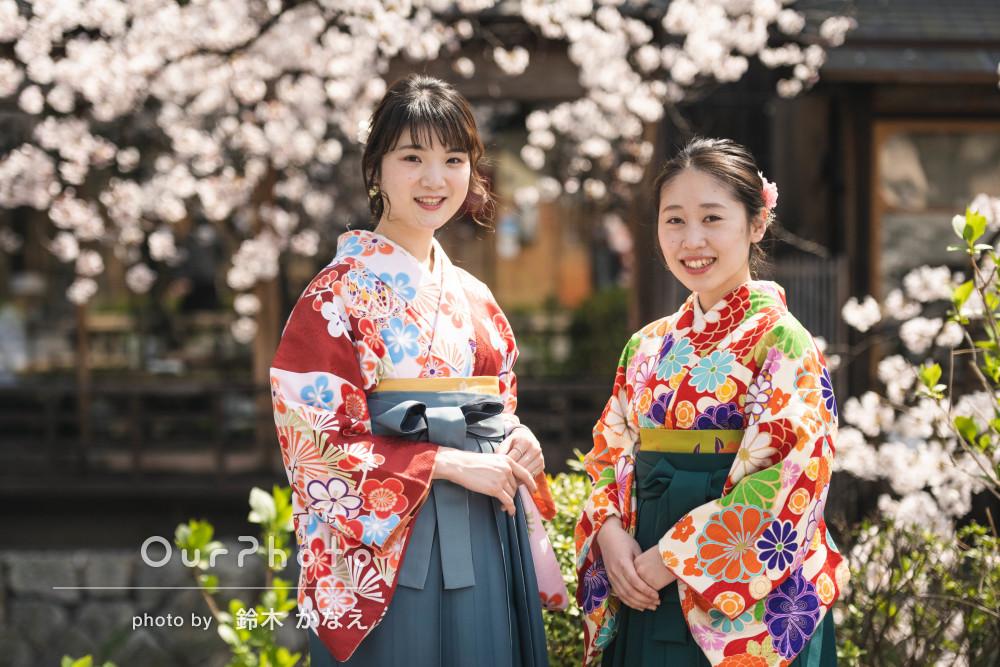 上品な和装姿で笑顔の華が咲き誇る美しく華やかな友フォトの撮影